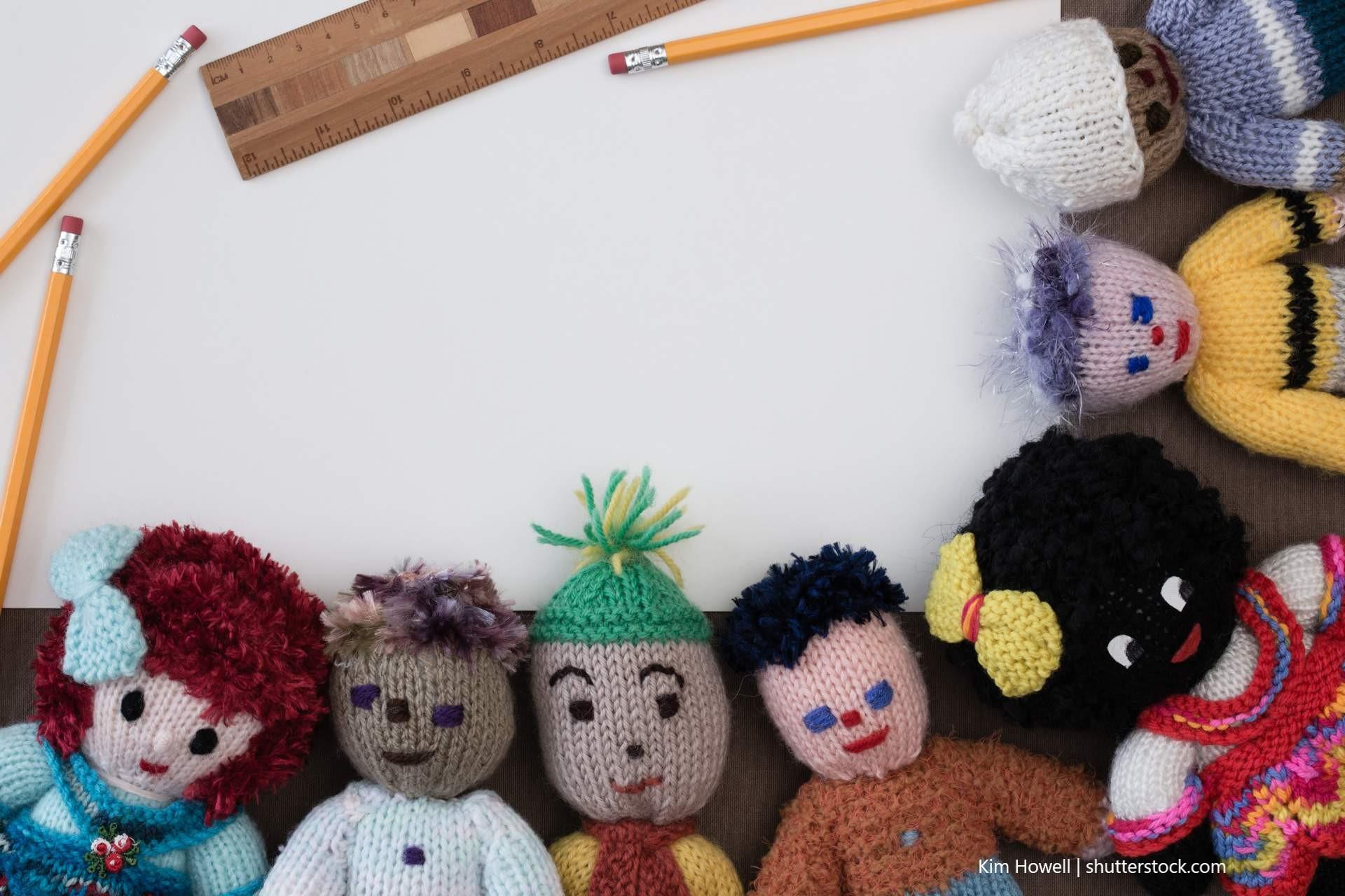 Puppen mit unterschiedlichen Haut- und Haarfarben sind wichtig als Identifikationsobjekte.