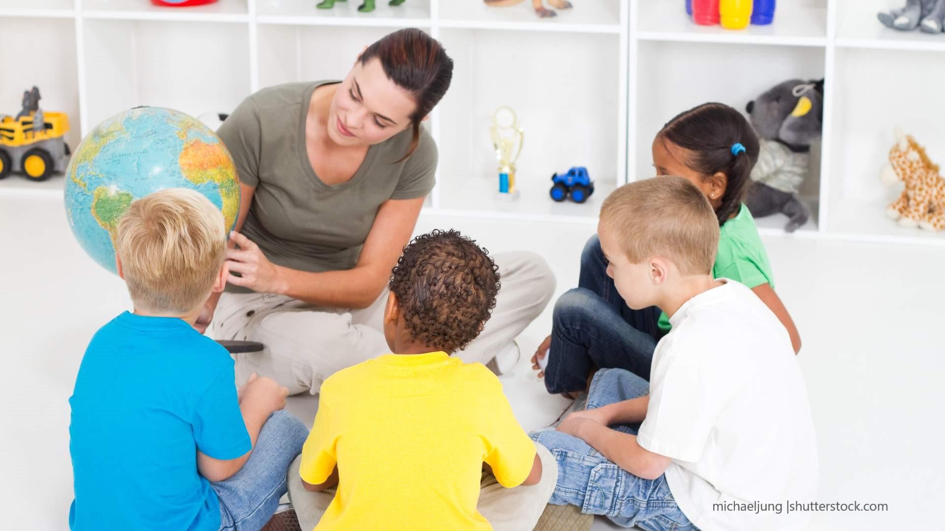 Pädagogische Fachkräfte brauchen Wissen und Reflexionsbereitschaft, um interkulturell arbeiten zu können.
